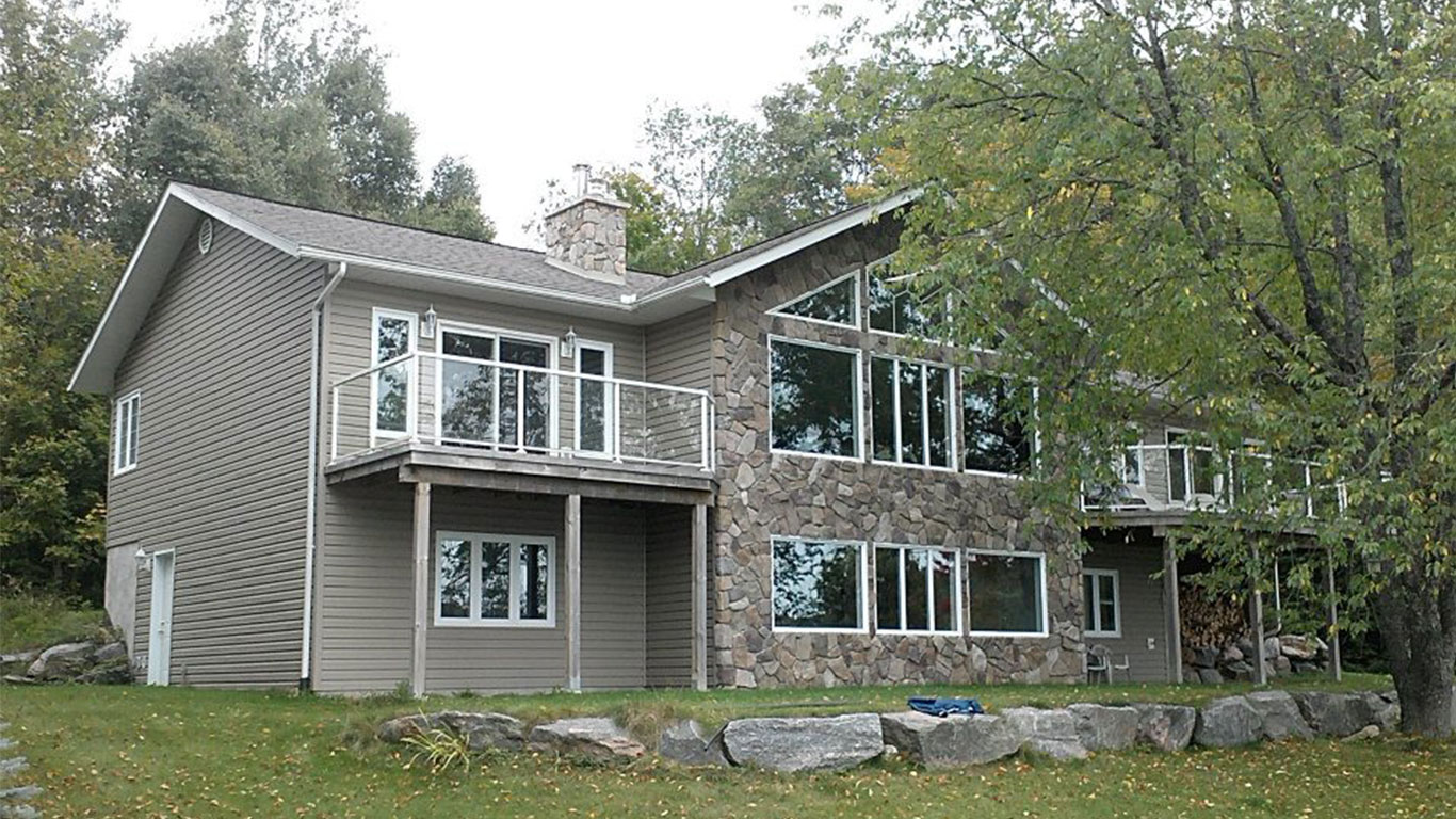 custom-built-home-haliburton-lake-5